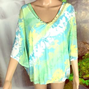 🌴Hearts of Palm pretty blouse 🌴